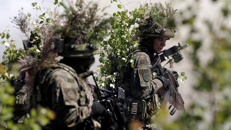 """La OTAN prepara a cientos de miles de soldados para disuadir una """"agresión rusa"""""""