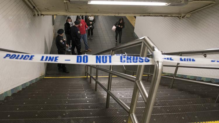 Una persona muere tras ser empujada a las vías del metro en Nueva York