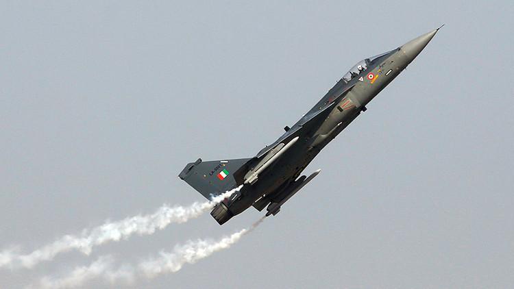 Ejército indio destina 10.000 millones de dólares a compra de cazas y armas de fabricación nacional