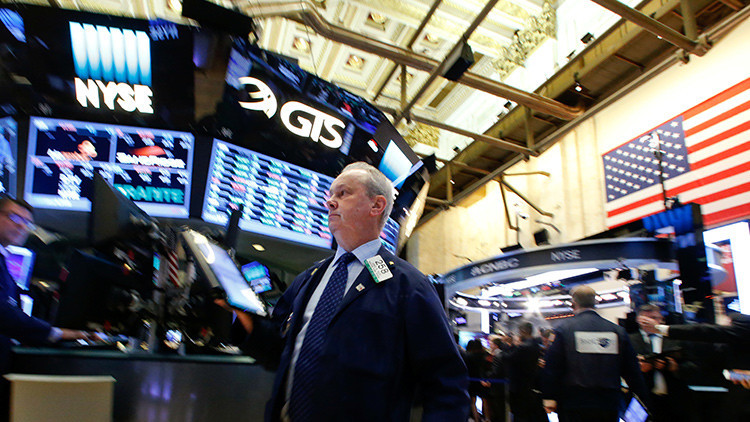 Los precios del petróleo caen con las elecciones estadounidenses de fondo