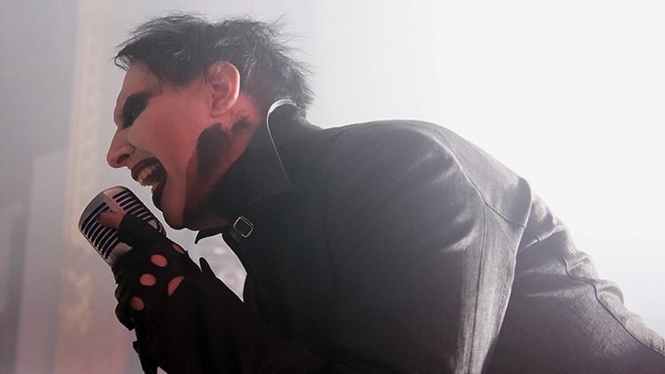 Marilyn Manson 'decapita' a Donald Trump en su nuevo clip (video)