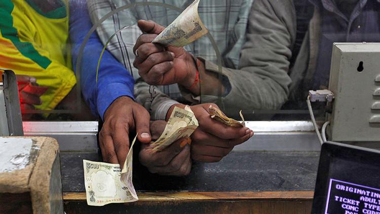 La insólita razón por la que la India retira los billetes con las mayores denominaciones