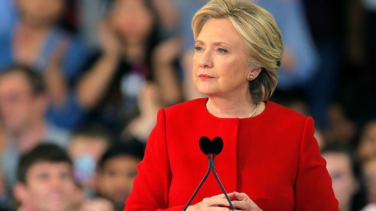 La jefa de campaña de Trump no descarta que se designe un fiscal especial para Hillary Clinton