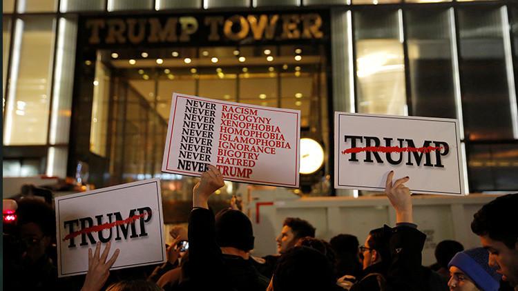 Cientos de manifestantes marchan en Nueva York en contra de Donald Trump