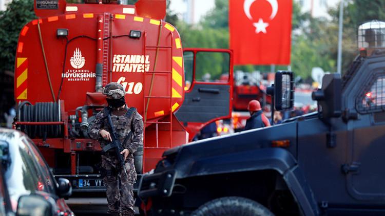 Reportan una potente explosión en un edificio administrativo en el sudeste de Turquía