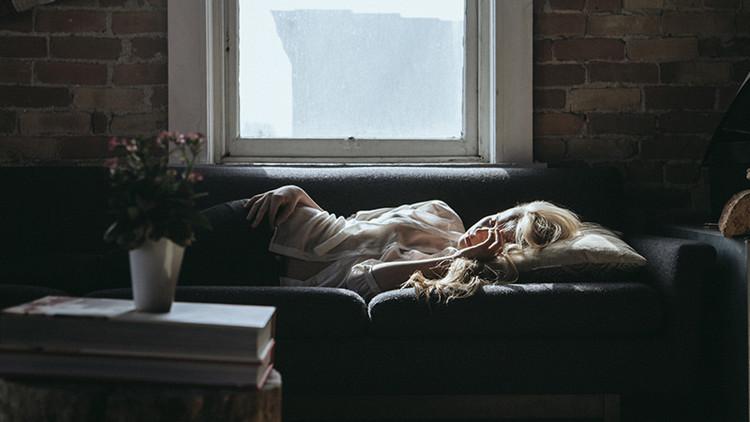 'La bella durmiente': canadiense duerme 22 horas al día, pero sigue cansada