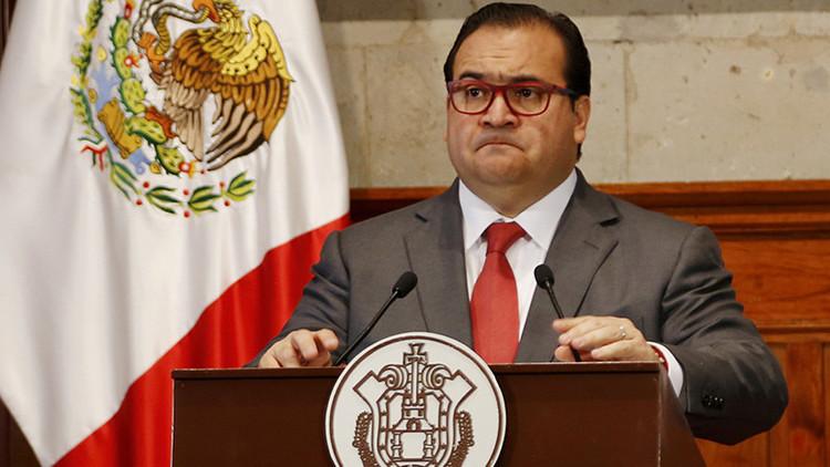 Acuden agentes a Congreso de Veracruz