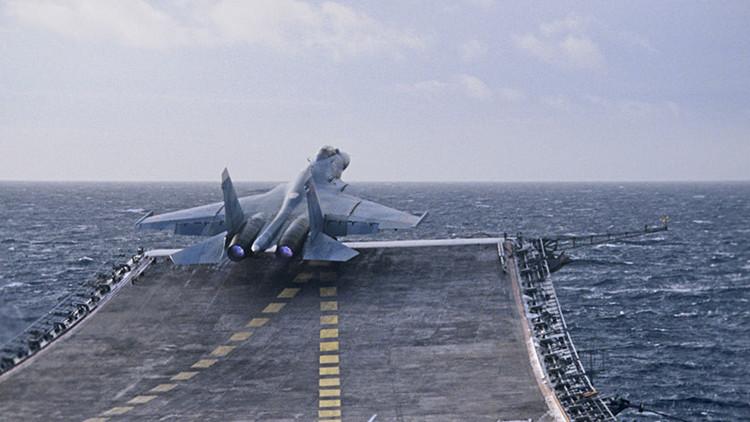 Aviones embarcados en el portaaviones ruso efectúan sus primeros vuelos cerca de las costas de Siria