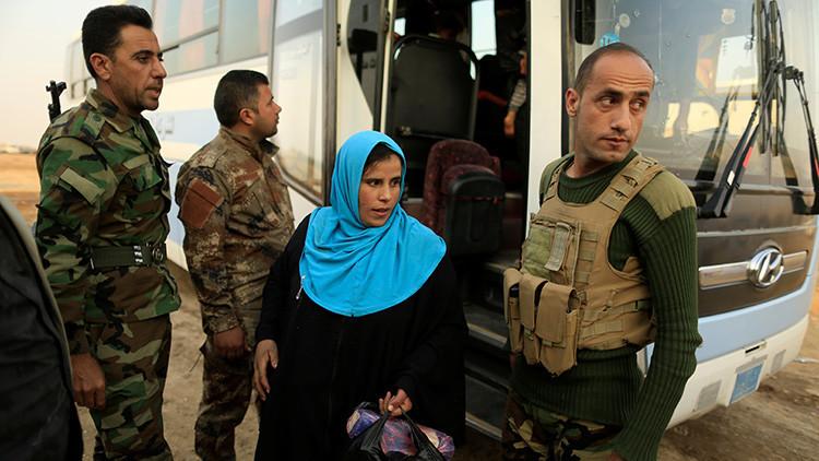 Video conmovedor: Un soldado iraquí se reencuentra con su madre tras varios años sin verse