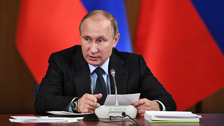 Putin revela las armas que incorporaron las tropas rusas en 2016