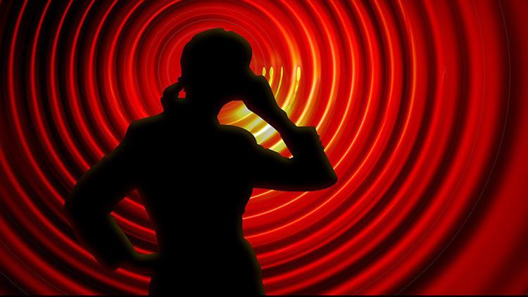 Una mujer 'rompe el corazón' de su operadora de telefonía por WhatsApp