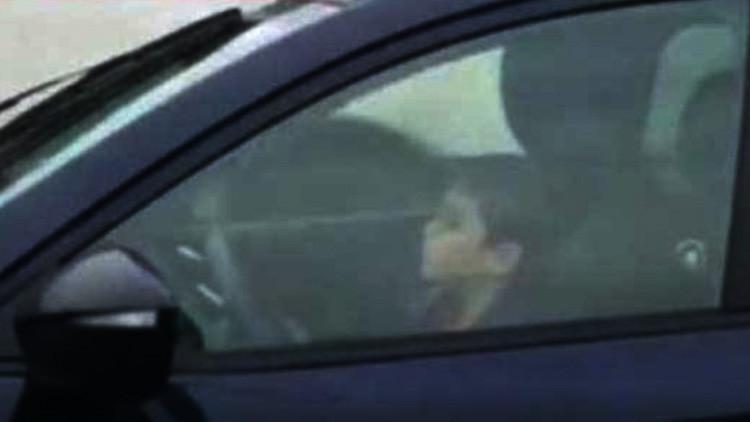 Video: Un niño conduce a toda velocidad en una ruta de México con su padre al lado