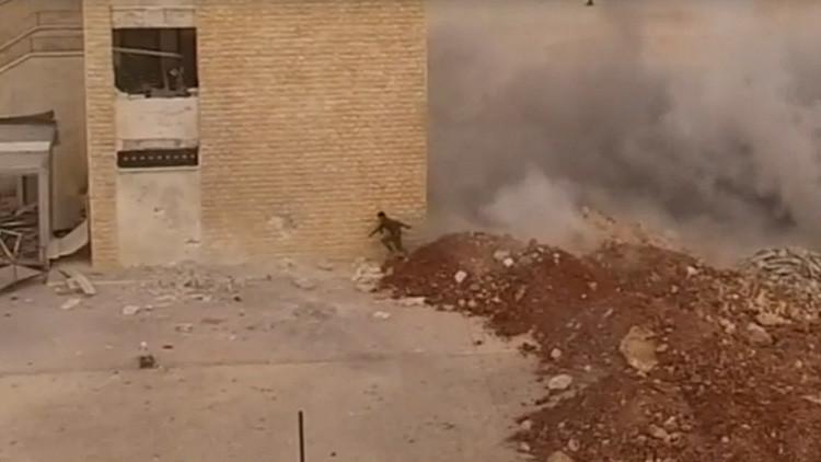 VIDEO: ¿Es este el soldado con más suerte de Siria?