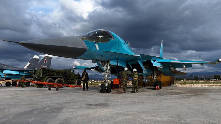 Trump estudia reanudar los ataques aéreos con Rusia contra el EI que Obama suspendió
