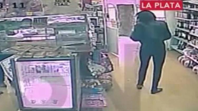Video: Aparece en una tienda una mujer argentina que fue secuestrada y violada durante 6 días