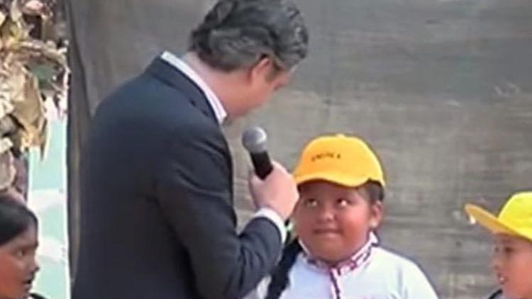 """La niña mexicana que corrigió a un ministro, lamenta que el presidente """"no sepa tanto"""""""