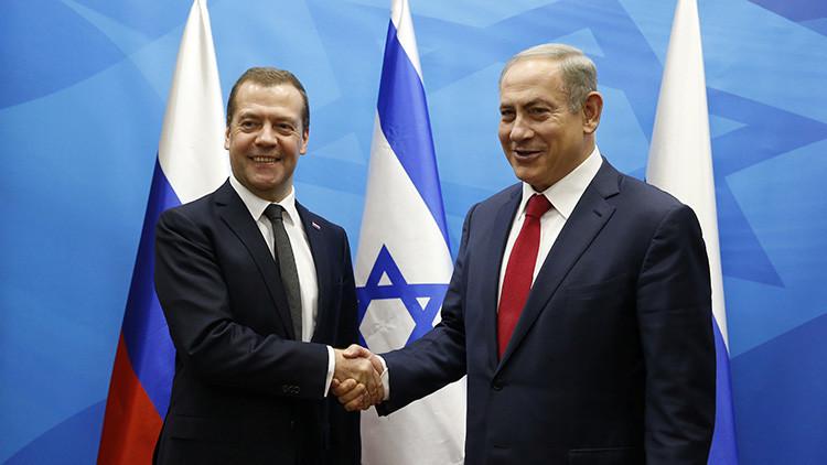 Dmitri Medvédev y Benjamin Netanyahu en Jerusalen, el 10 de noviembre de 2016