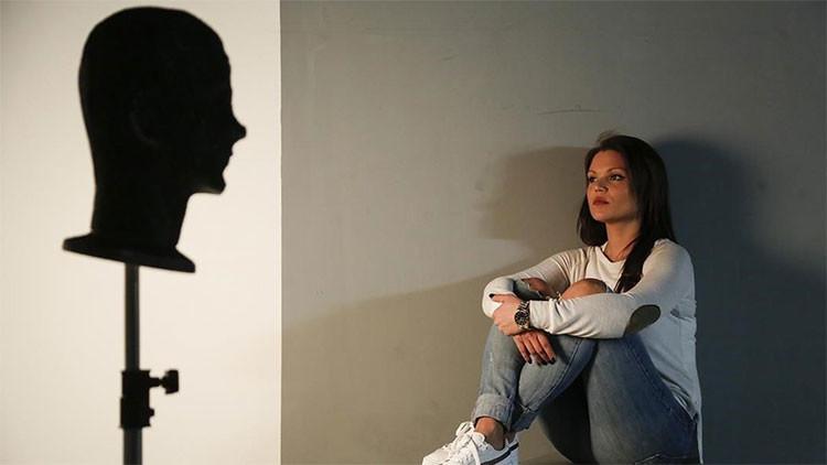"""""""El abuso infantil no es un delito"""": Joven revela cómo fue violada de niña por Testigos de Jehová"""