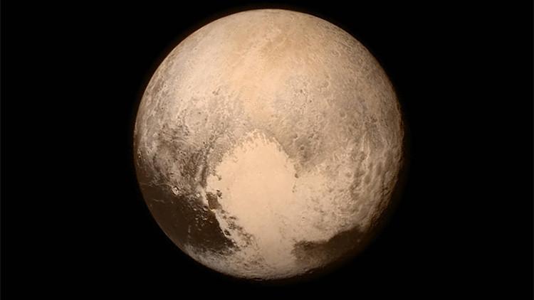 ¿Apto para la vida? Descubierto un océano en Plutón con tanta agua como todos los mares de la Tierra