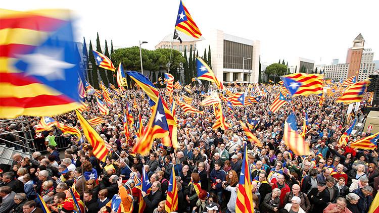Cataluña: El 'no' a la independencia se impondría al 'sí' por un estrecho margen