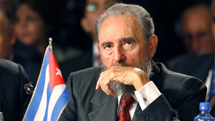 """Francia: """"Cuba es el país símbolo en América Latina"""""""