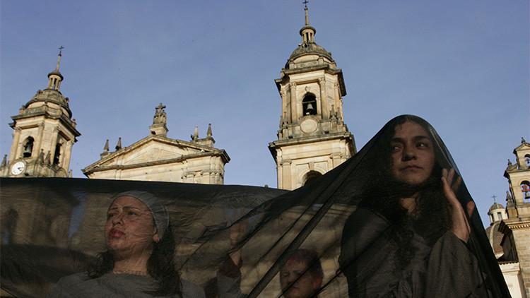 Una colombiana golpeada, violada, empalada y quemada sobrevive a la agresión