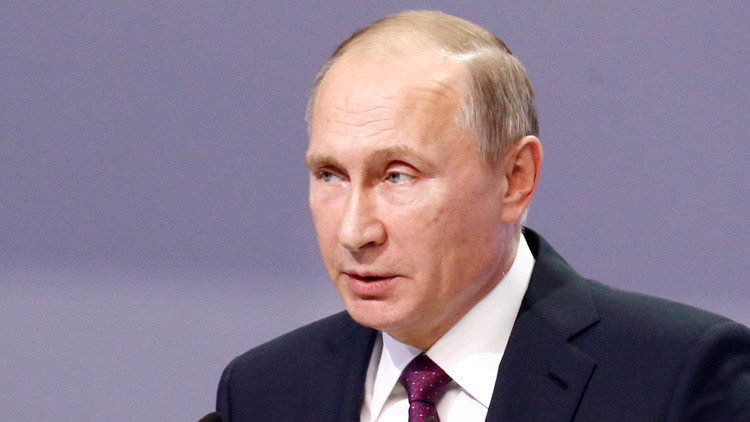 """Putin: """"Rusia confía en intensificar las relaciones con Perú"""""""