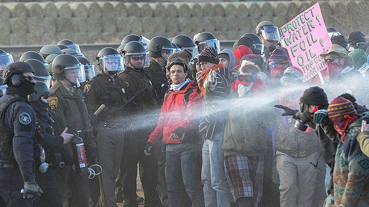 Dakota Access: La Policía emplea gas lacrimógeno y balas de goma contra manifestantes