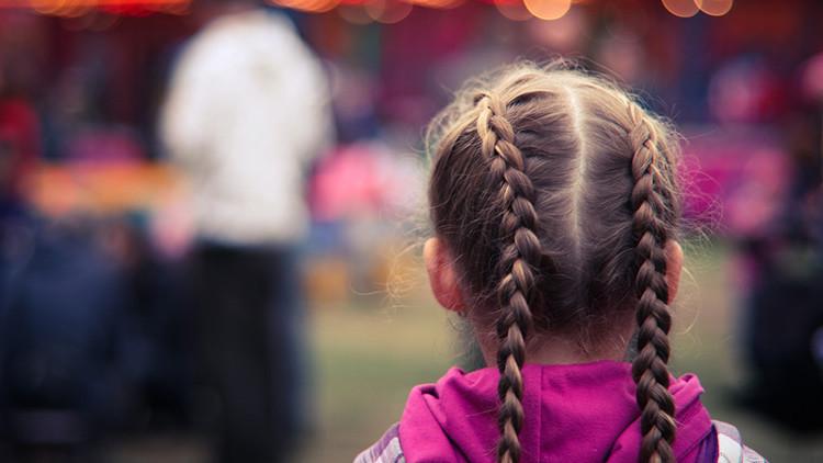 Médicos rusos extraen una bola de pelo de 50 centímetros del intestino de una niña