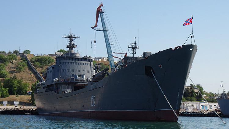 Un buque de desembarco ruso regresa al mar Negro tras completar su misión en Siria