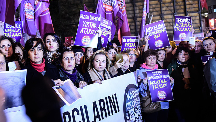 El Gobierno de Turquía retira un proyecto de ley que indultaría a violadores de menores