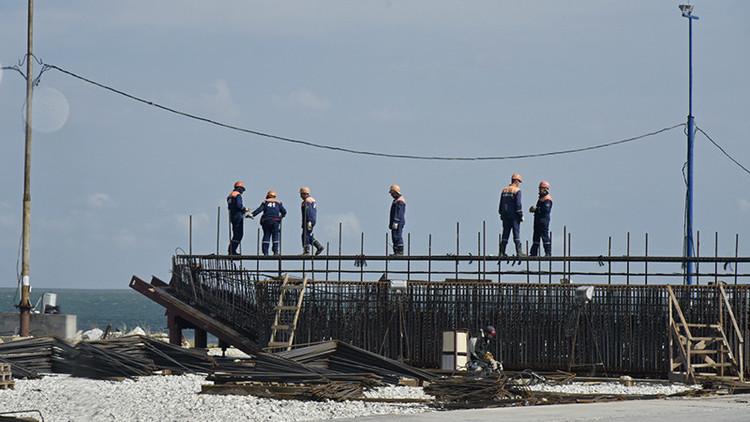 Video: El puente de Crimea 'se congela' en un 'mannequin challenge'