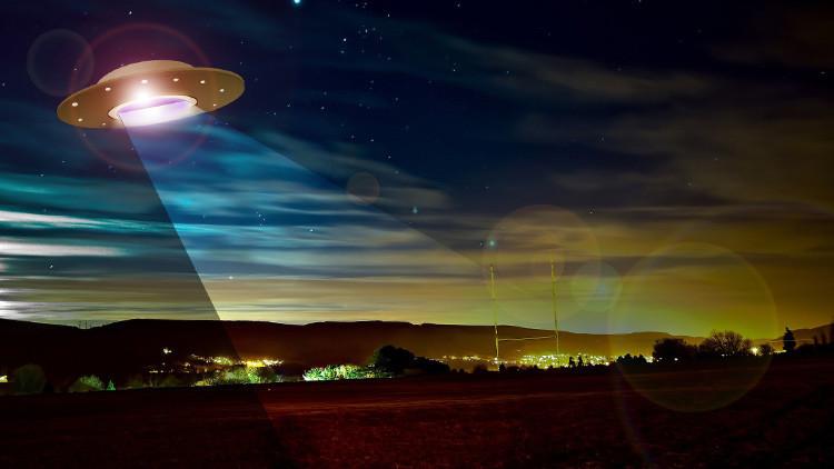Cámara de seguridad capta un objeto volador desconocido en las montañas de Colorado, EE.UU. (FOTO)