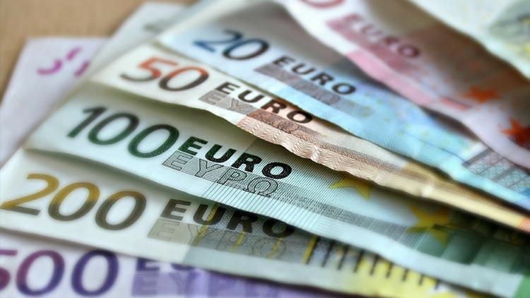 La decadencia del euro: la moneda única se acerca al dólar tras 20 meses de caídas