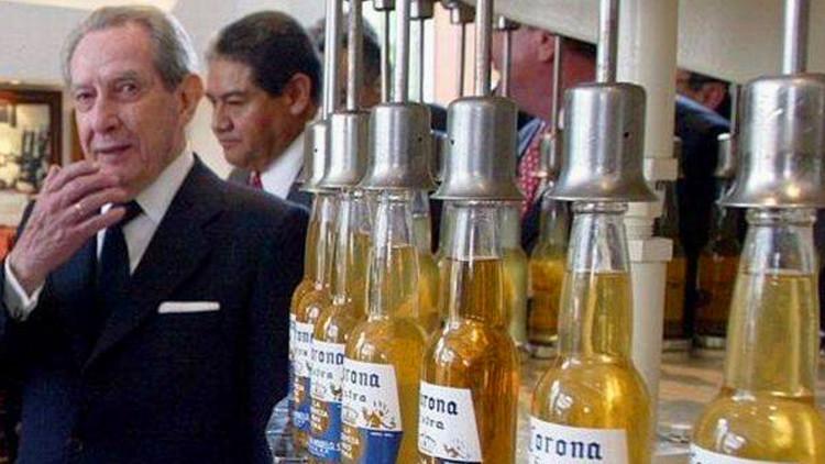¿El creador de la cerveza Corona hace millonarios a los habitantes de su pueblo natal?
