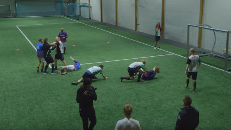 'Fútbol borracho': triunfa en la Red un partido con todos los jugadores ebrios (VIDEO)