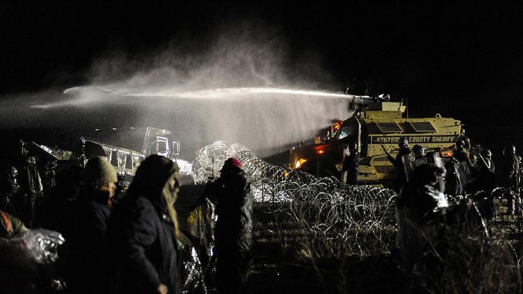 """""""Matarán si es necesario"""": activista denuncia la represión policial en Dakota del Norte"""