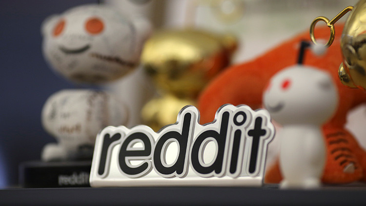 El jefe de Reddit admite que manipuló comentarios en su contra de seguidores de Trump