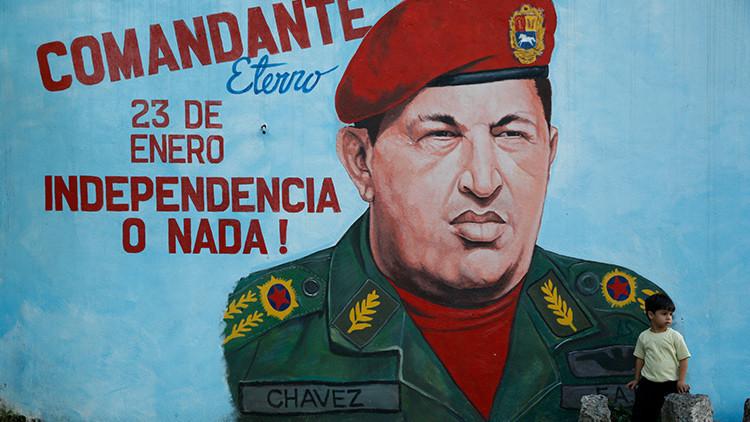 """""""Mercenarios de la imaginación"""": La reacción que desata la serie sobre Chávez en Venezuela"""
