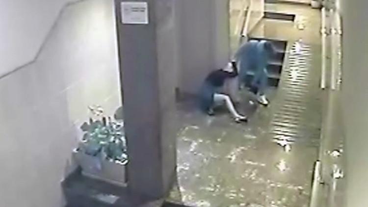 España: Un joven recibe a su novia en casa con una brutal paliza (Video)