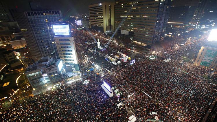 Más de un millón de manifestantes marchan contra la presidenta surcoreana en Seúl (VIDEO)
