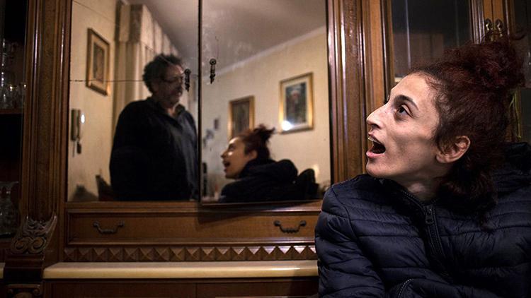 Una heroína invisible: la mujer paralítica que brilló de la mano de un fotógrafo italiano