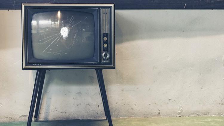 1 hora de TV a cambio de 22 minutos de vida: Por qué debería de dejar ver la televisión ahora mismo