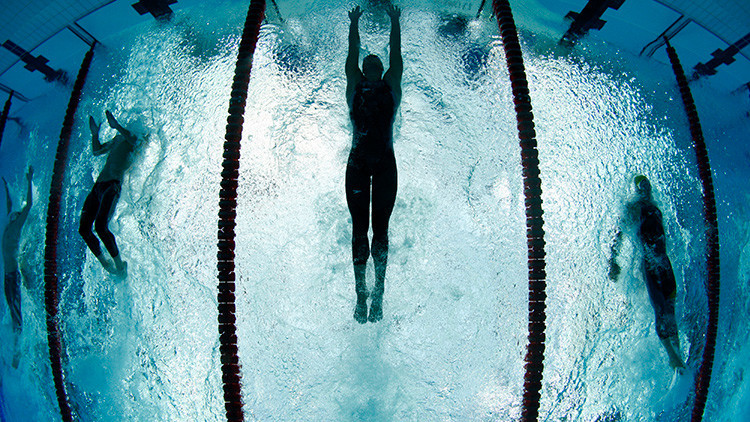 Descalifican a un niño autista por nadar 'demasiado rápido' en una competición regional