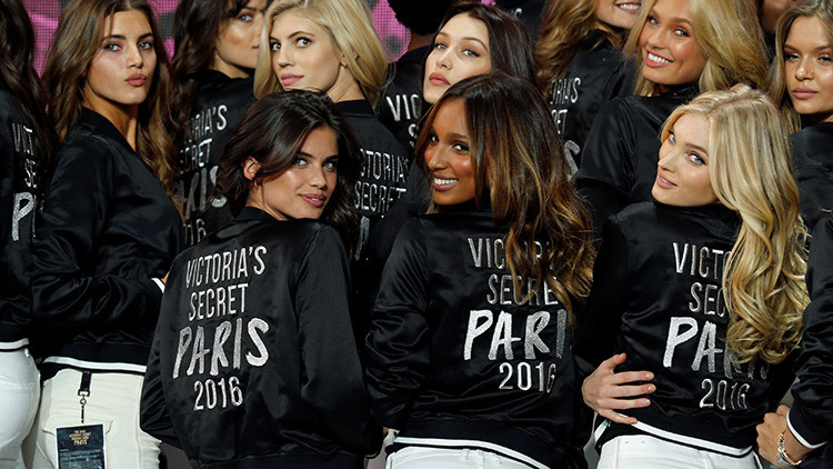 Revelan un alimento básico de la dieta de las supermodelos de Victoria's Secret