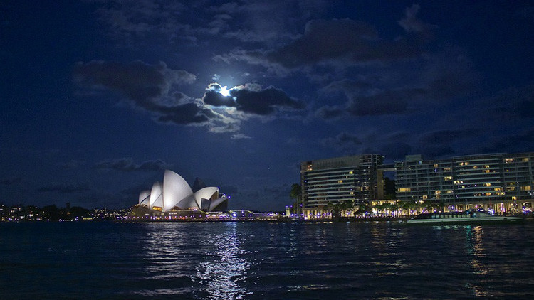 Se registra fuerte explosión en la ciudad más grande de Australia (Fotos)