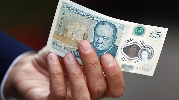 Los nuevos billetes de cinco libras indignan a vegetarianos y veganos por contener grasa animal