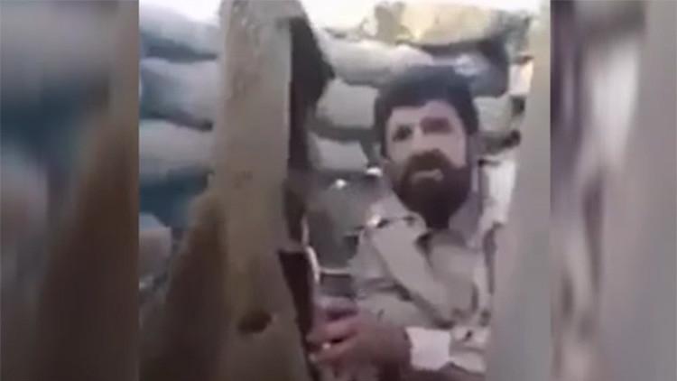 VIDEO: Milicianos iraquíes se burlan de un francotirador del Estado Islámico