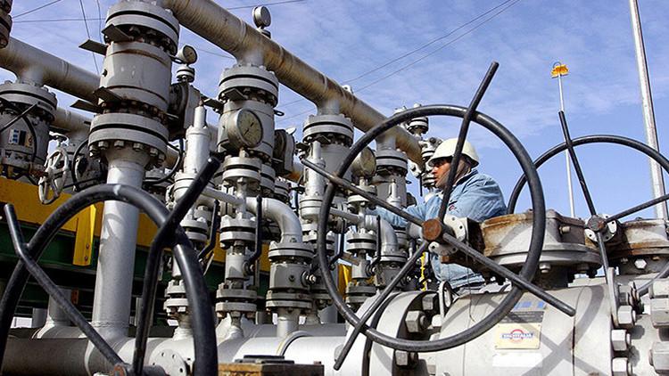 La OPEP reducirá la extracción diaria de crudo en 1,2 millones de barriles