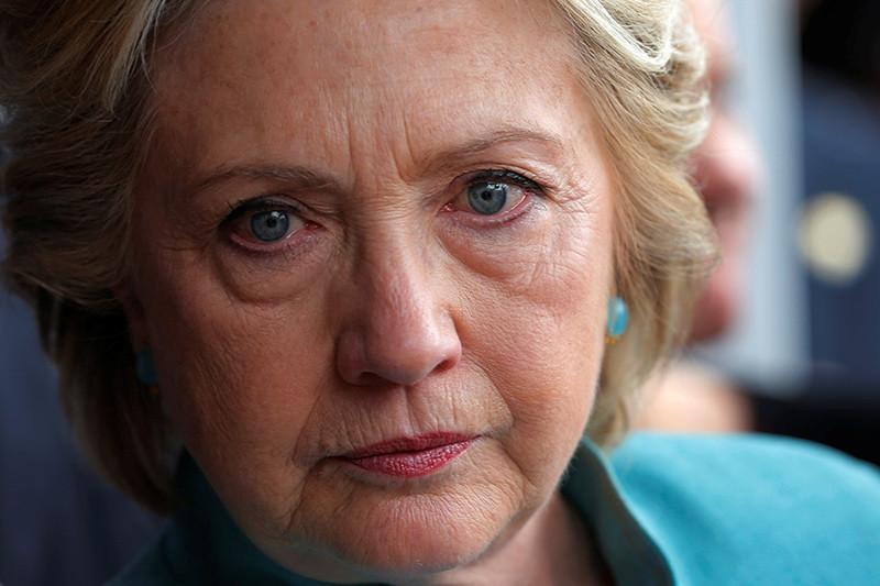 ¿Por qué Hillary Clinton sigue en cabeza a pesar de todo?